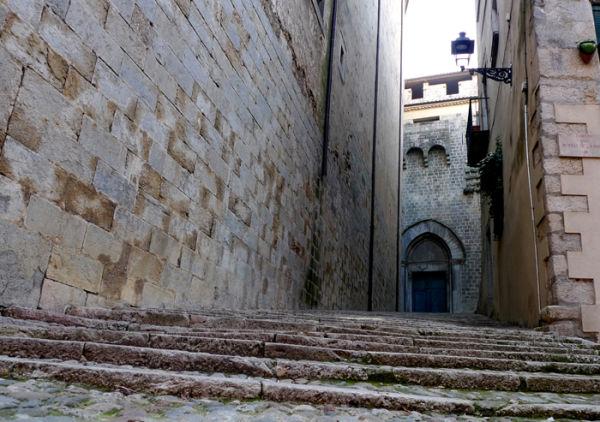 * Girona 16