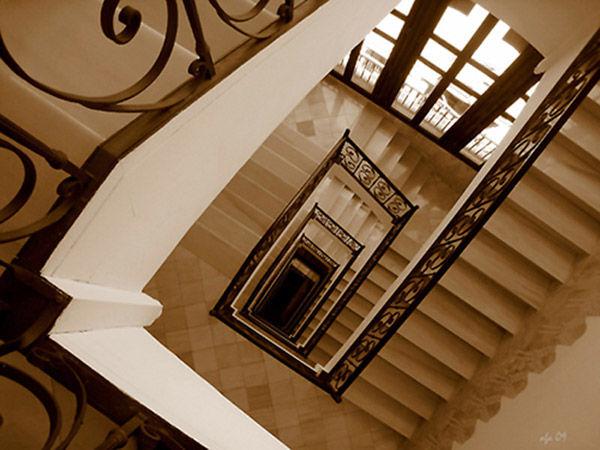 * Casa Fuster.  Escales