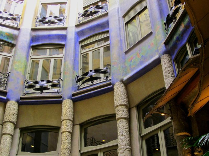 * Visions de la Casa Milà 3