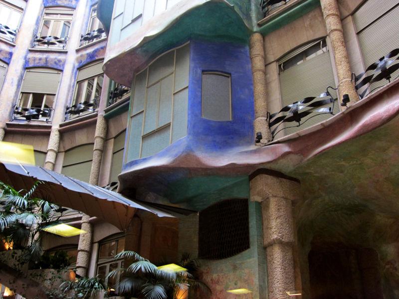 * Visions de la Casa Milà 6