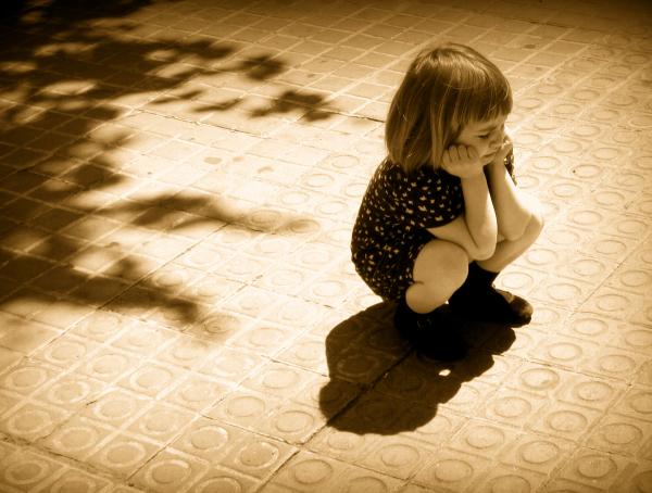 * Una nena al carrer