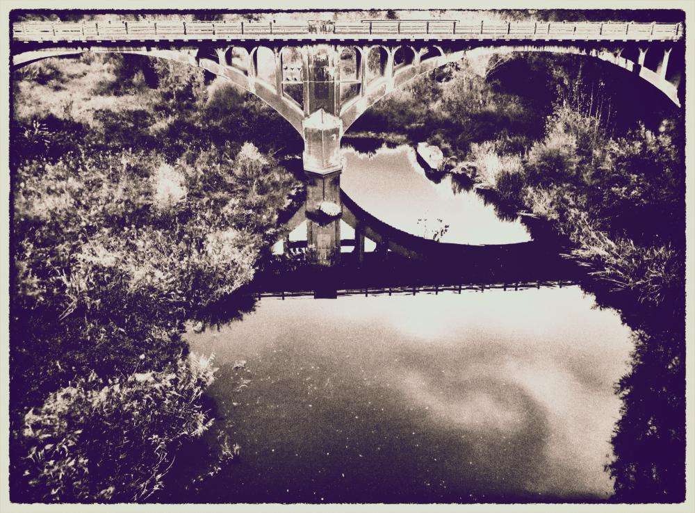 * El pont de ferro de Besalú
