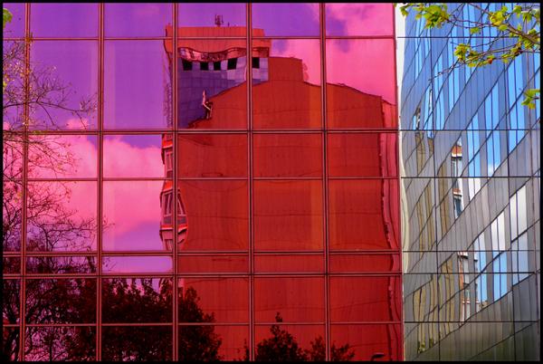 * Cases de vidre