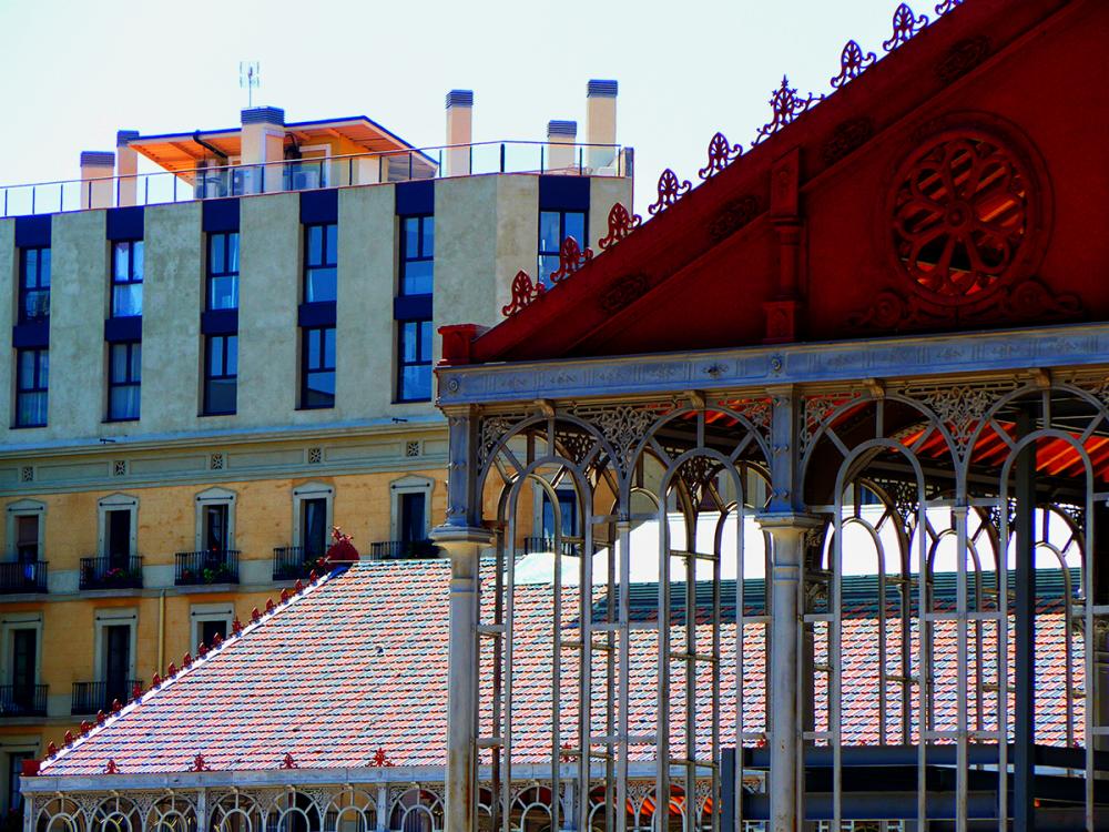 * Restauració d'edificis