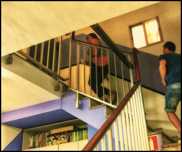 * Escales...