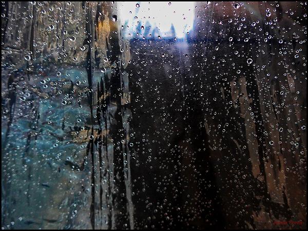 * La pluja i els colors dibuixen.