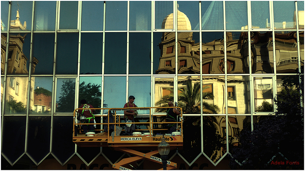 * L'arquitectura mirall...