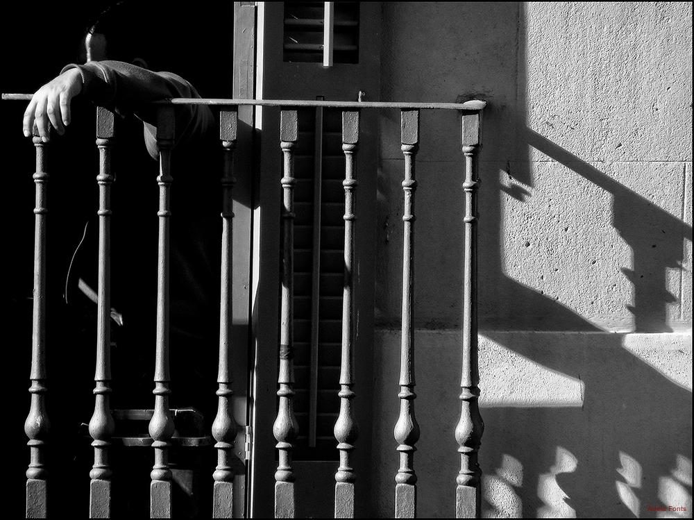 * La mà i les ombres
