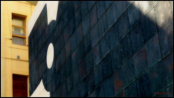 * Mural de Chillida G-333 del 1998