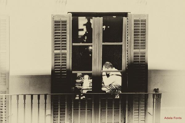 * Llum i ombres al balcó