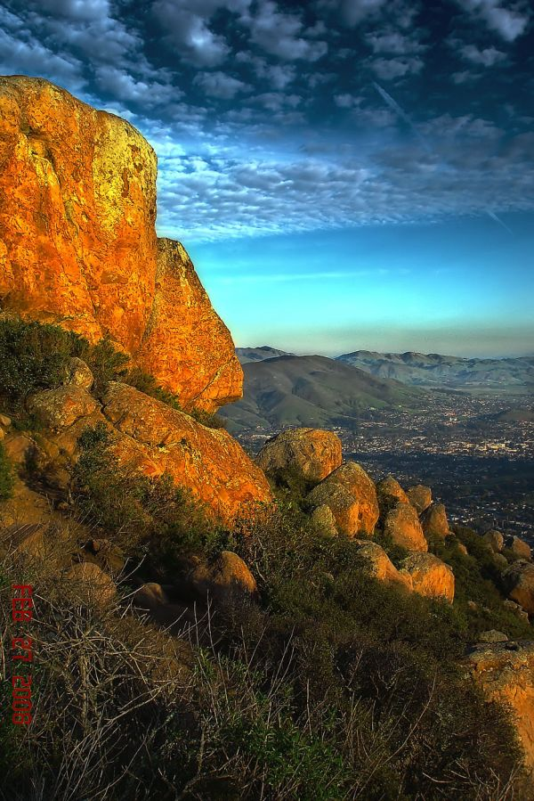 View From Bishops peak trail overlooking SLO