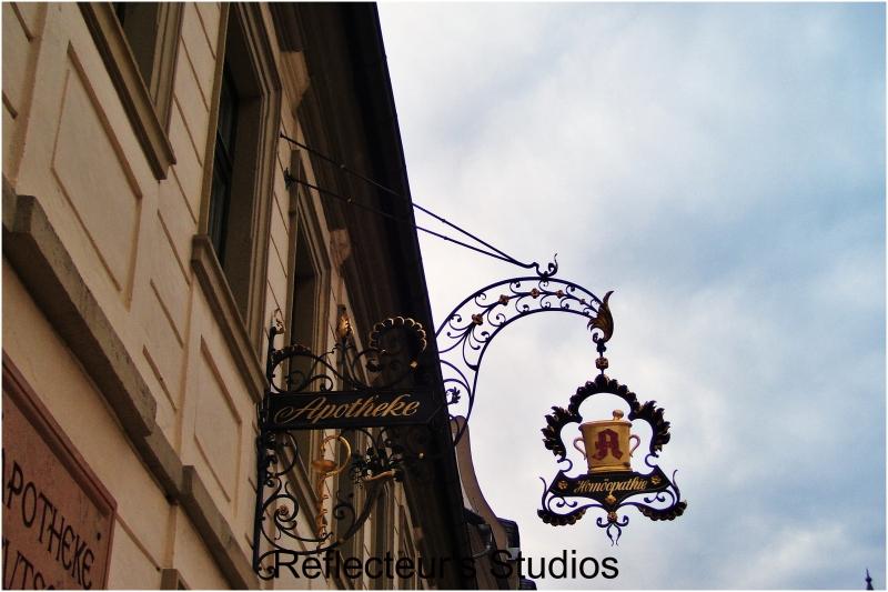 reflecteurs studios travel europe world