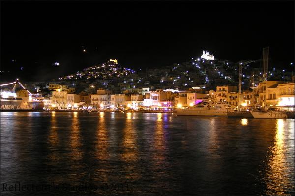 syros ermoupolis greece hellas aegean reflecteurs