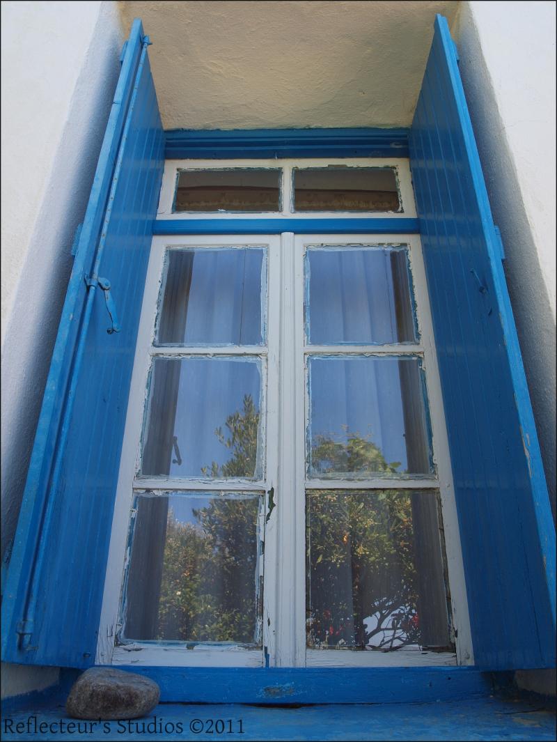 window aegean ikaria greece hellas reflecteurs stu