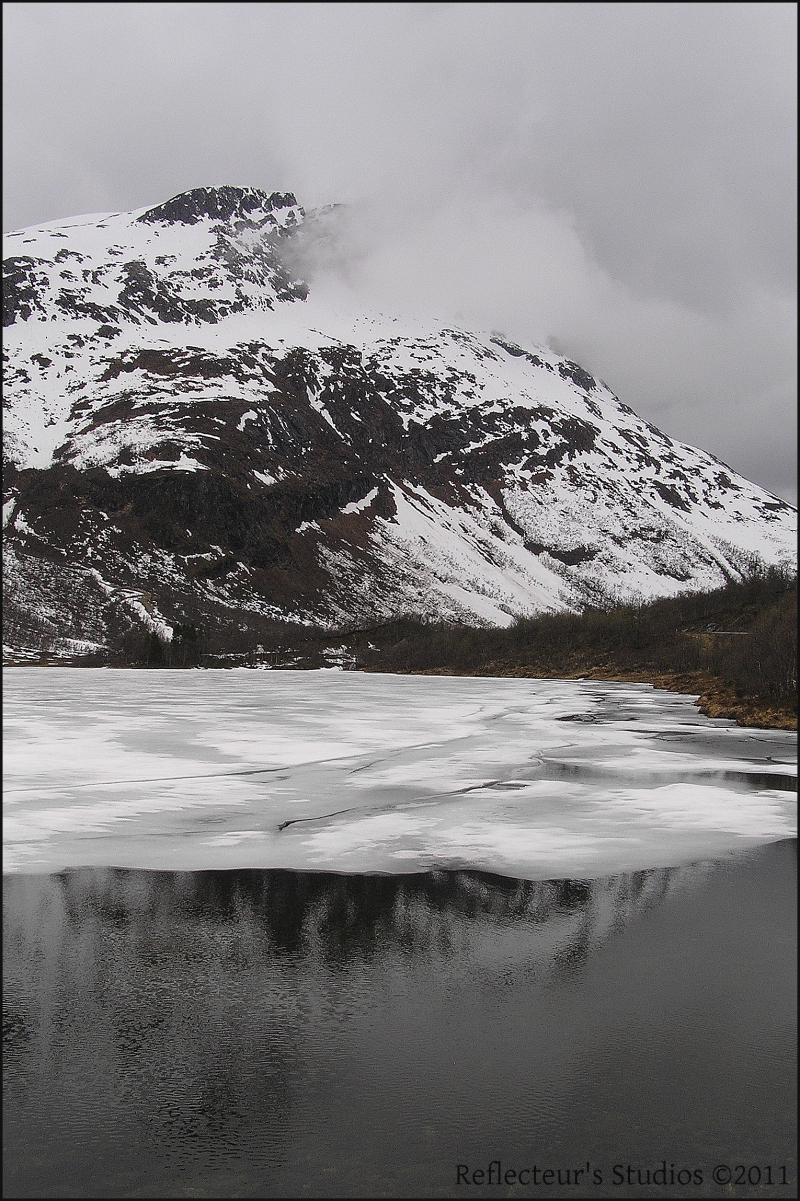 winter december norway fjord reflecteurs studios