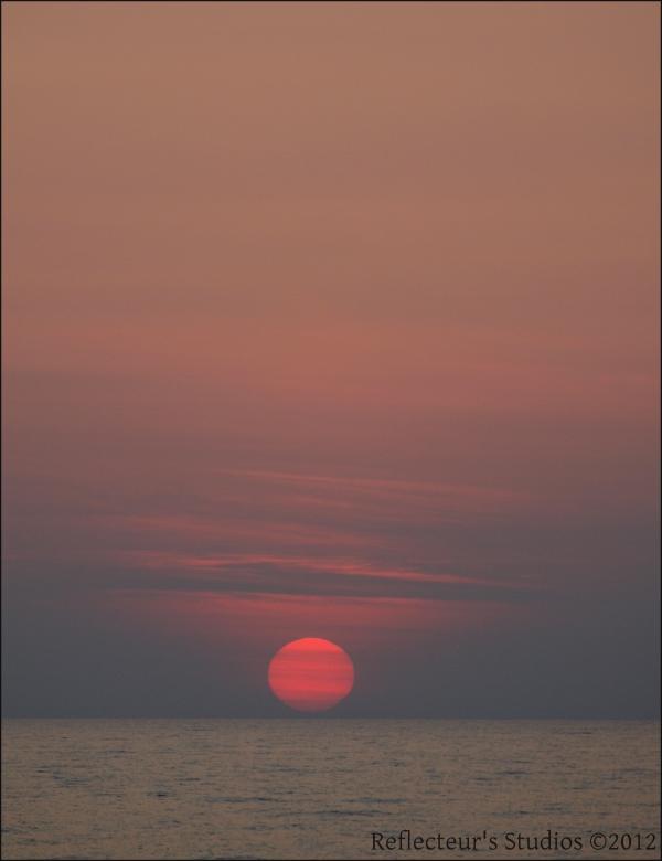 sunset colours reflecteurs studios ilia greece