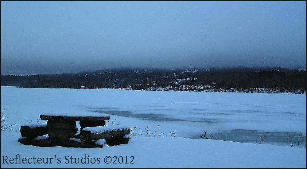 frozen lake sweden värmland reflecteurs studios