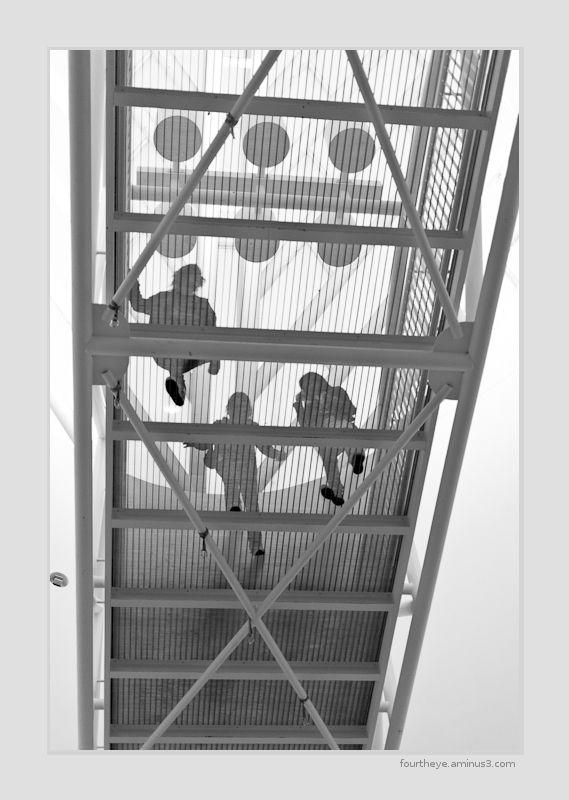 pedestrian bridge at San Francisco MOMA