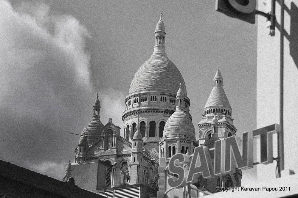 Montmartre, marché St Pierre 1