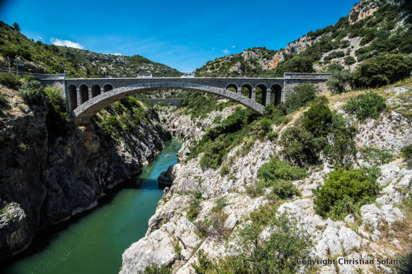 Hérault. St Guilhem le désert. Le pont du Diable