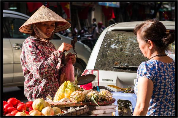 Fruit seller in Hanoi