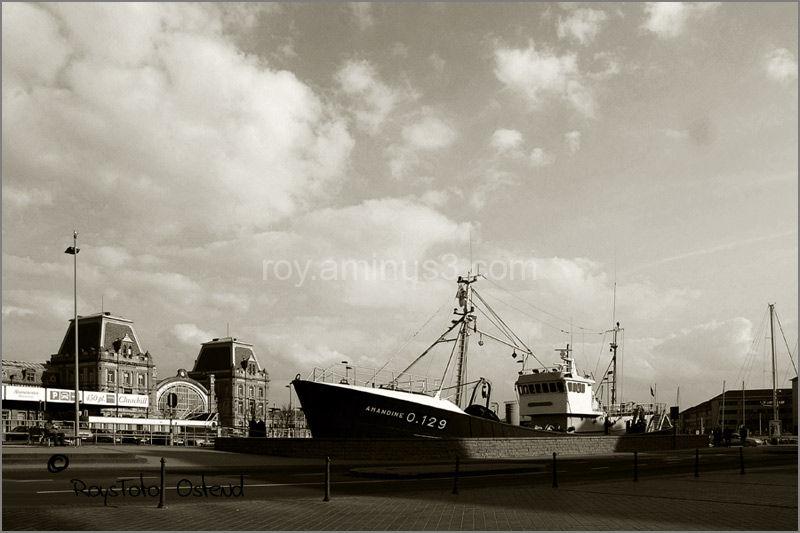 ostend, Oostende, strand, beach, zeedijk, ship,