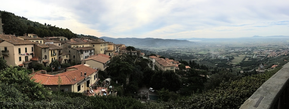 Panorama - view of the Tuscan countryside.
