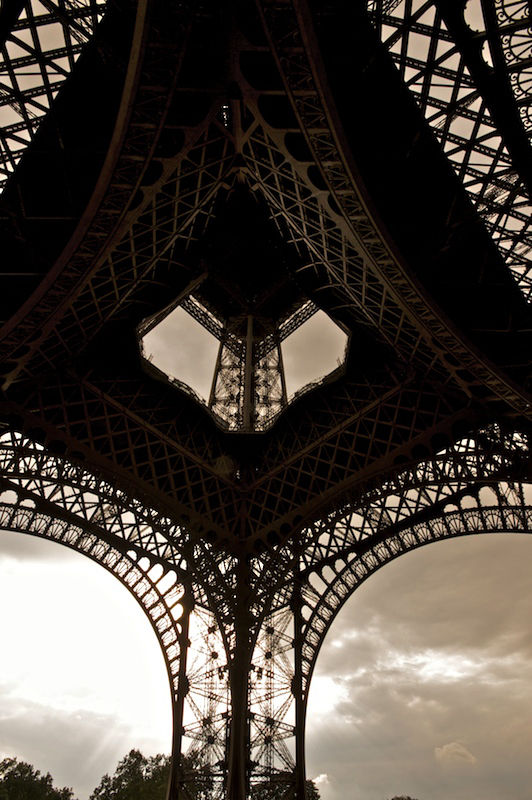 eiffel tower 01