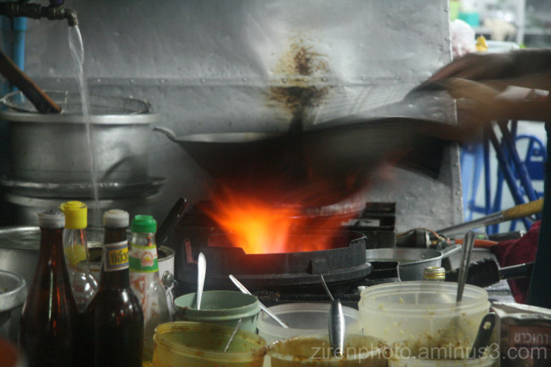 The process of Thai cooking.