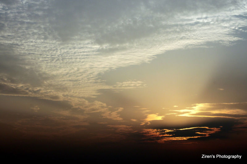 A beautiful sunset during dusk at Zigong, China.
