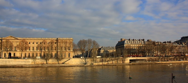 Golden light on the Seine