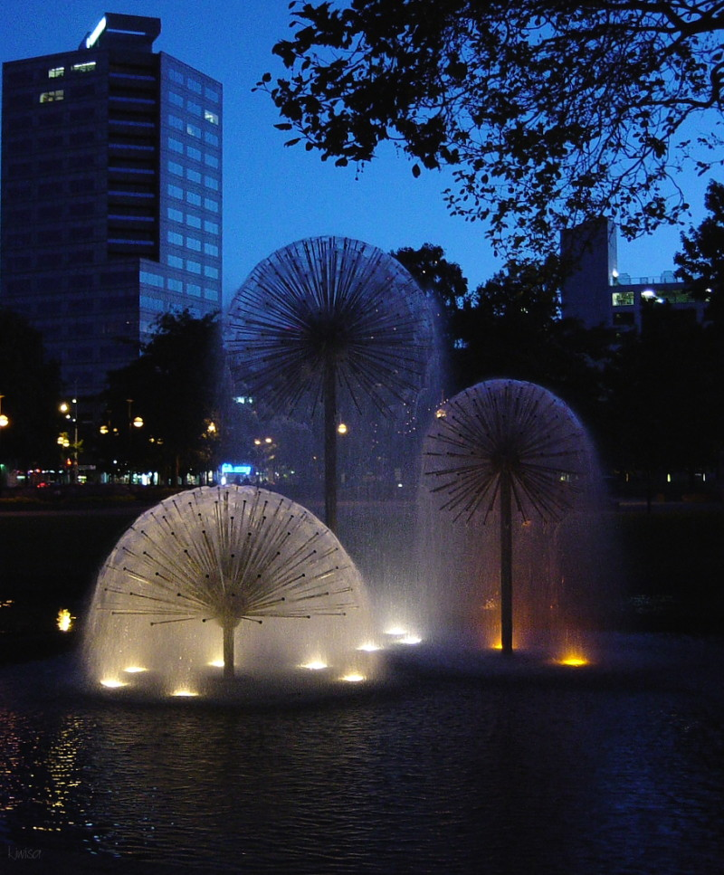 Dandelion fountains