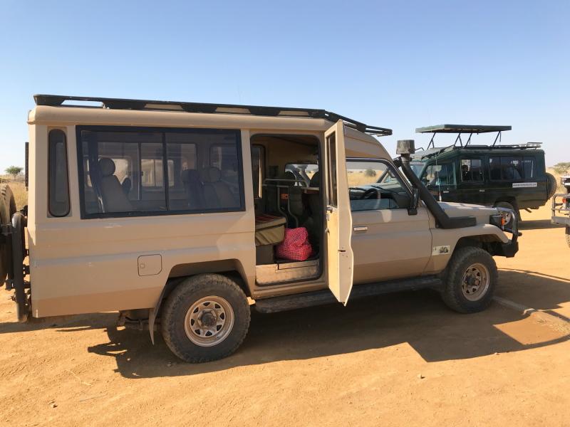 #43- Serengeti - at Seronera airport