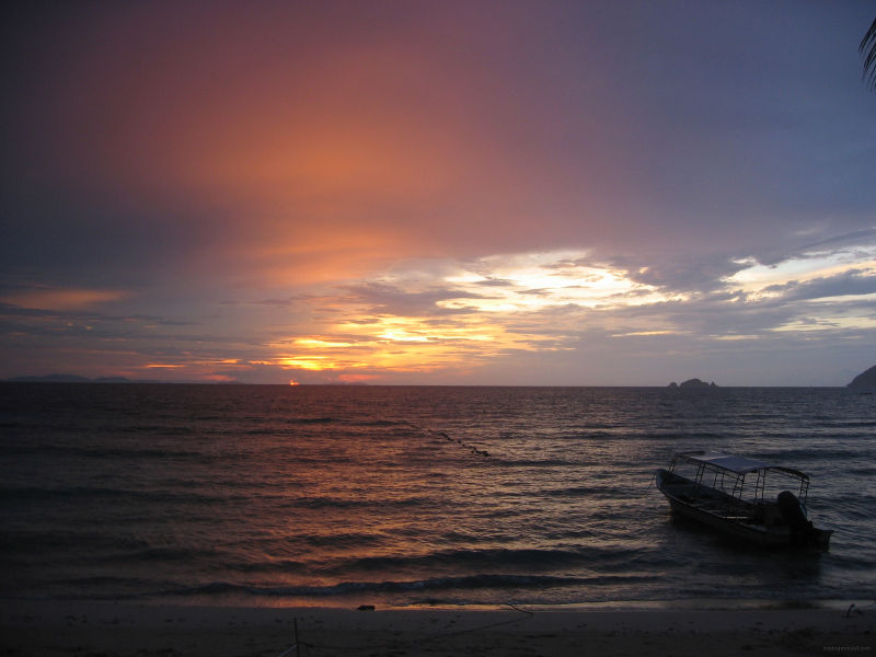 The sunset at coral beach in perhentian island
