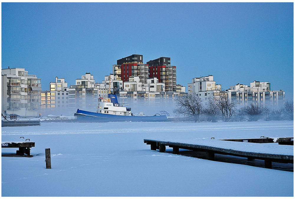 sea smoke winter ship ice Västerås sjörök harbour