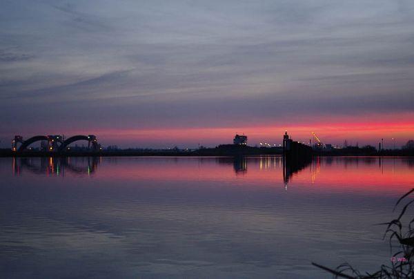 Locks near Driel (Gelderland)