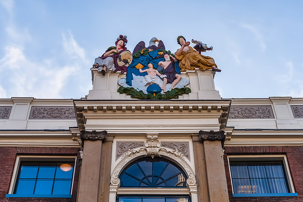 One of the many facades in the city of Alkmaar