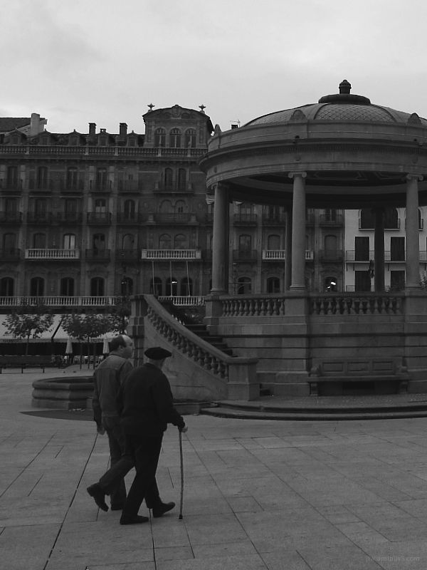 A walk in the Plaza