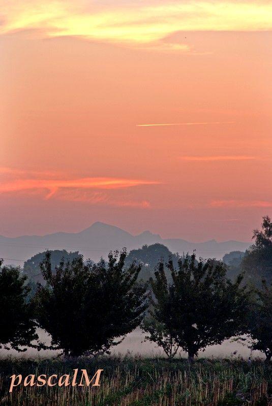 le matin se lève sur le mont ventoux