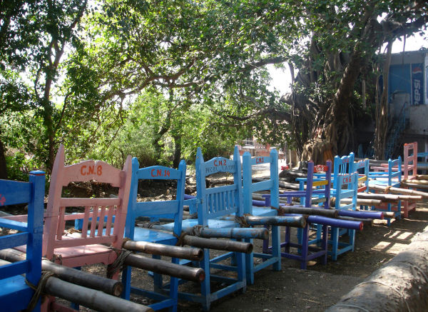 En attendant le touriste à Elephanta Island