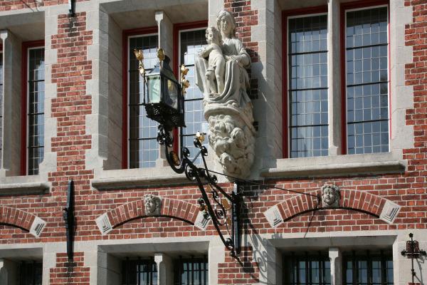 Une vierge de Bruges