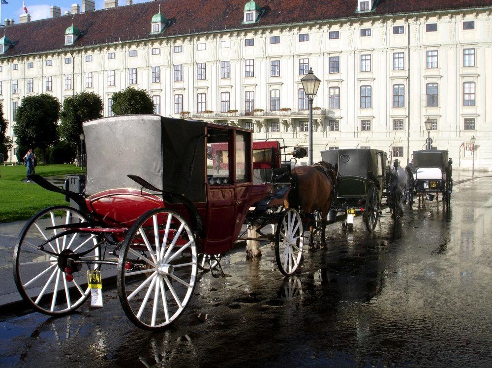 Les calèches devant la Hofburg