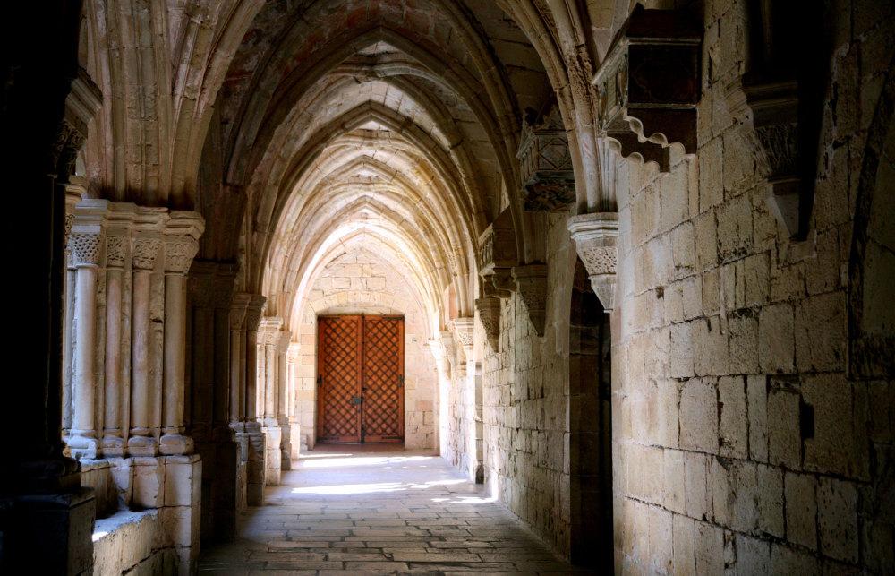 Un cloitre du monastère de Poblet