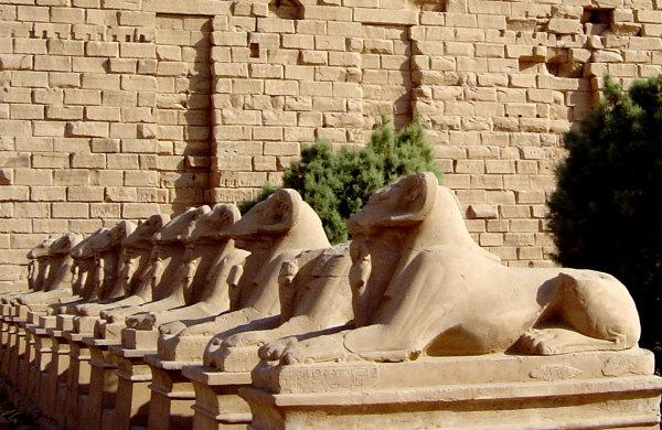 L'allée des sphinx de Carnac