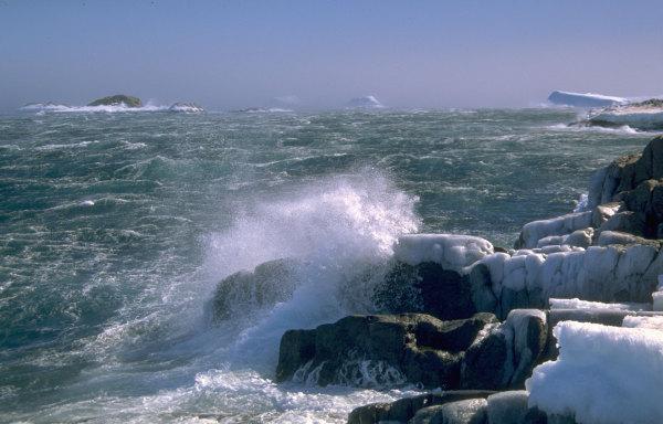 Une tempête au large de la base Dumont d'Urville