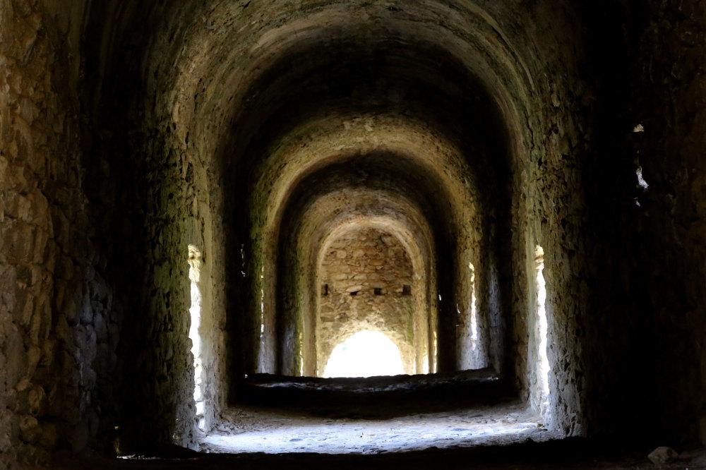 Au coeur de l'aqueduc romain d'Ansignan