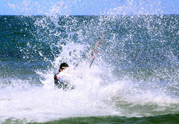 Kyte surfs au mondial du vent