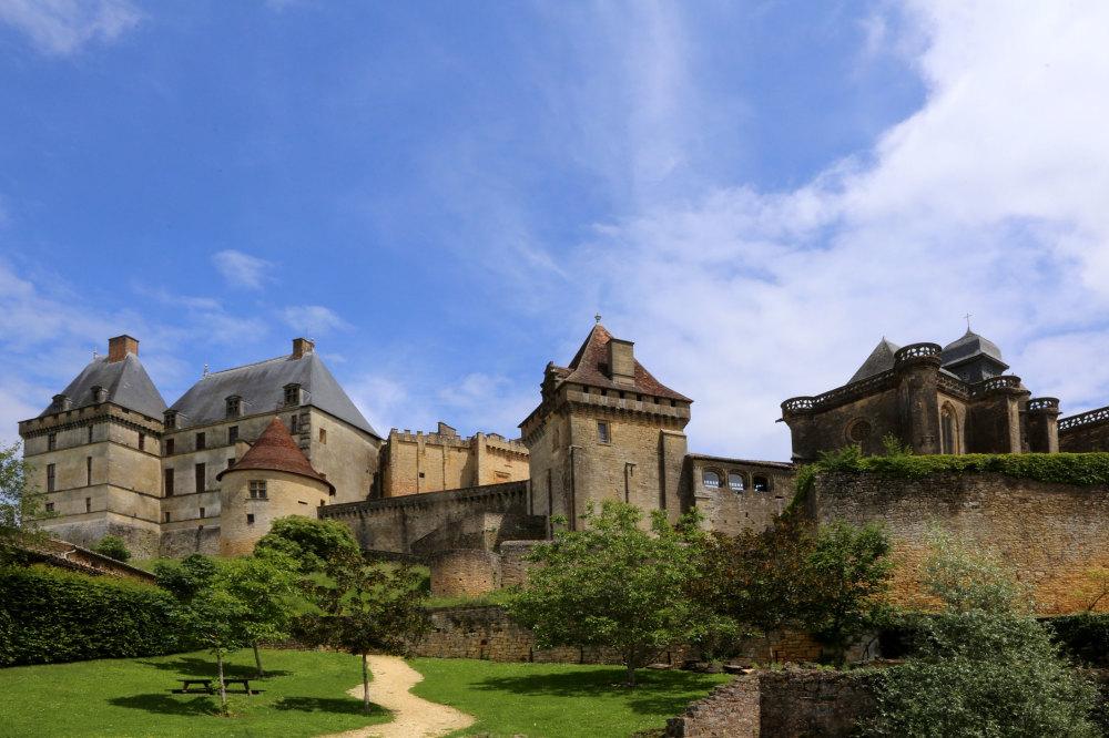 Le chateau de Biron