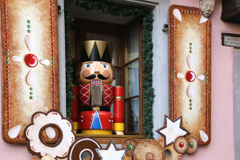 Une vitrine du marché de Noël de Riquewhir