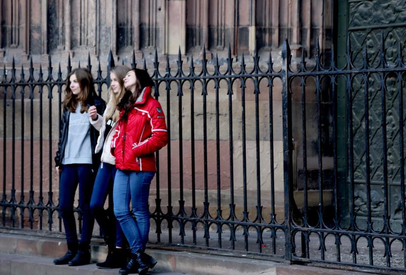 Sur le parvis de la cathédrale de Strasbourg